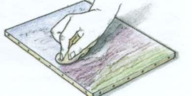 Удалите пыль перед нанесением лака